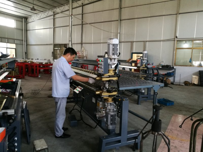 Bonnell spring assembling machine testing and fine tuning