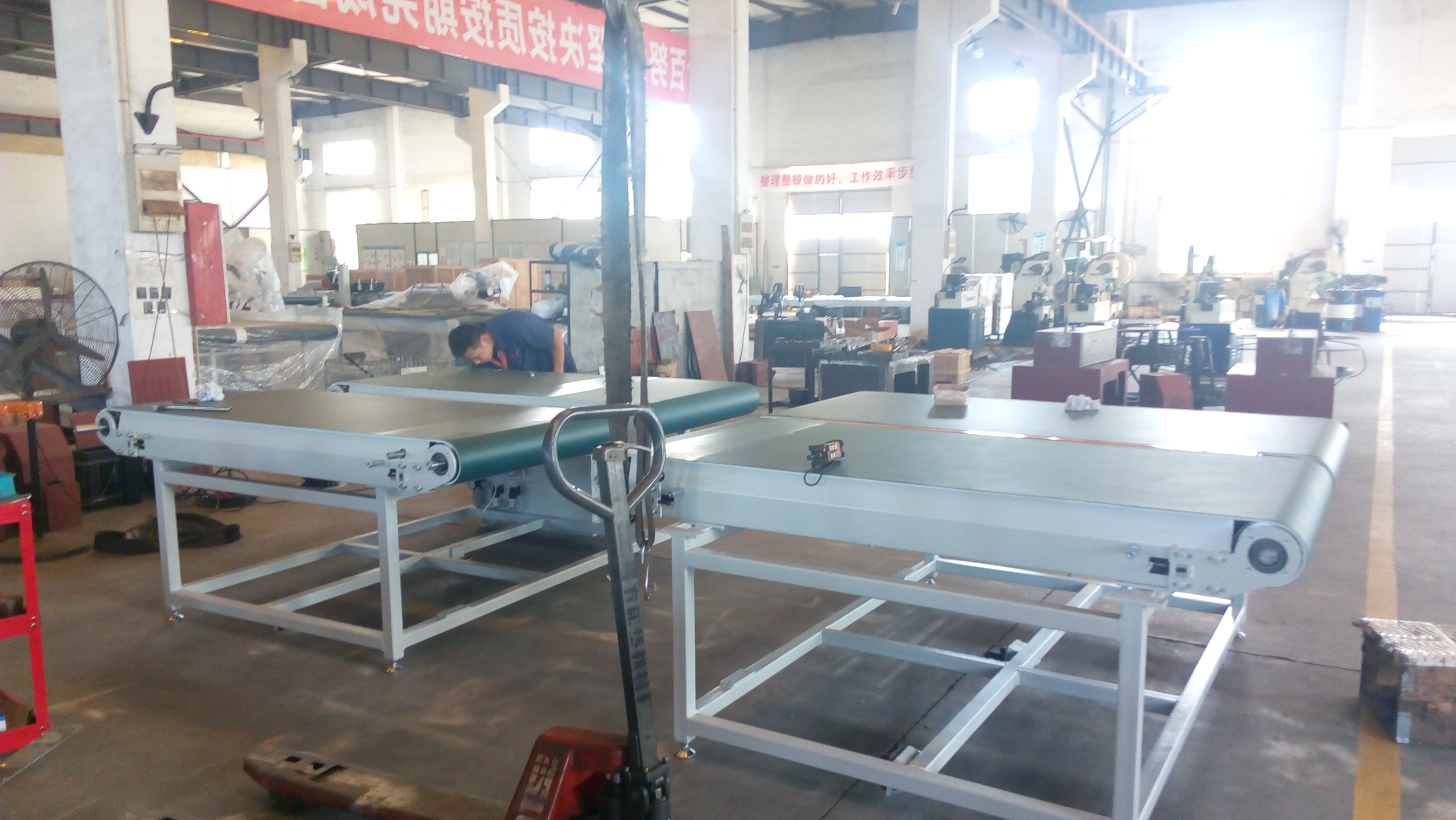 Mattress tape edge machine manufacturing craft is the guarantee for a perfect delivery to our customers